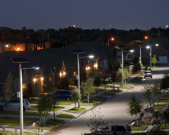 đèn năng lượng mặt trời chiếu sáng ban đêm