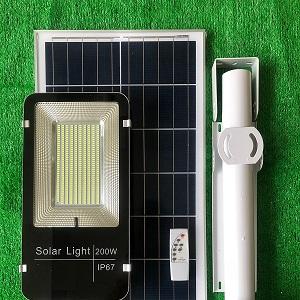Đèn năng lượng mặt trời 200w giá rẻ